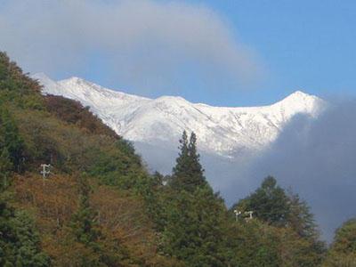 hino_blog_201026_ontake.jpg(御嶽山の初冠雪)