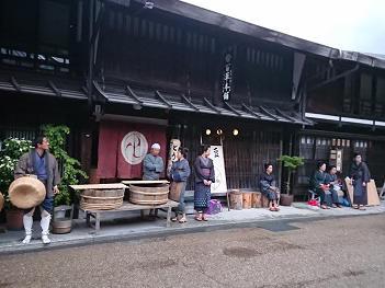 hino_blog_20190613_narai_1.JPG(テレビ撮影 -- 奈良井店 --)